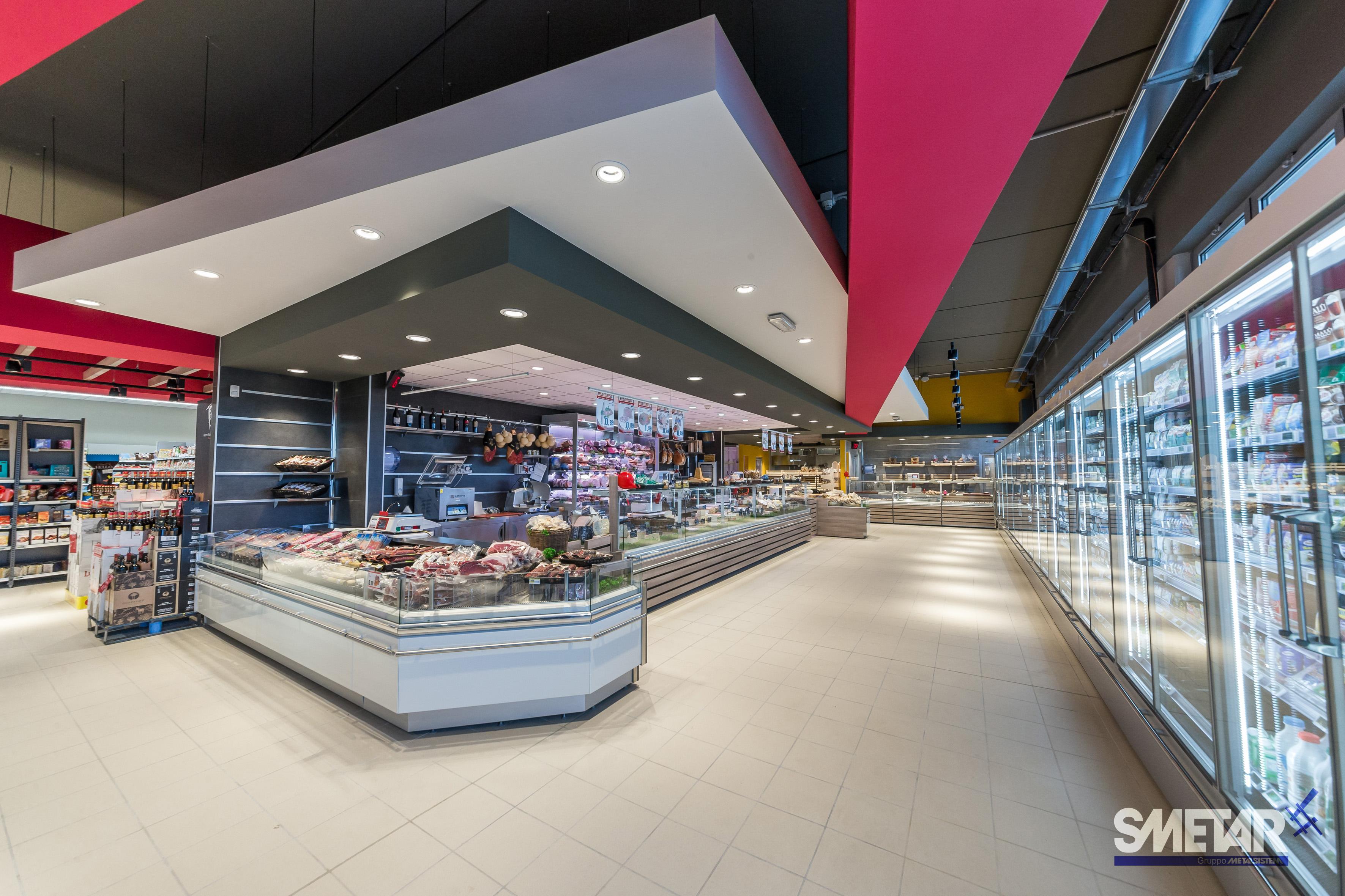 ... conferiscono al Maxi Simply di Noci un design innovativo ed efficace